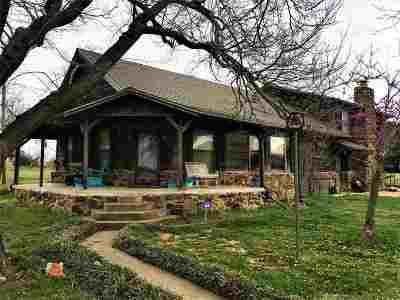 Cushing Single Family Home For Sale: 2915 N Schlegel Main Road