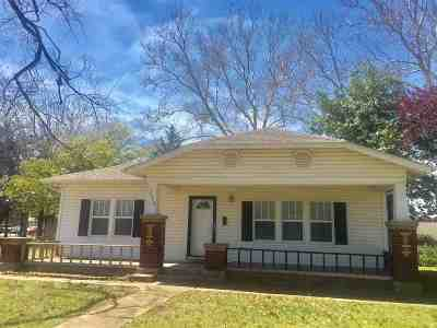 Single Family Home For Sale: 111 NW 1st Street