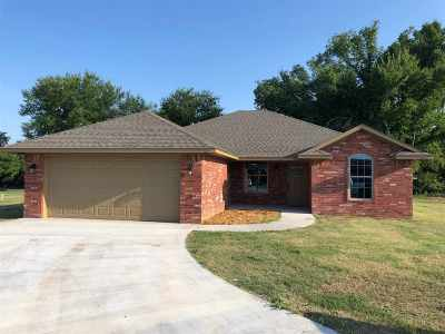 Perkins Single Family Home For Sale: 408 E Kinder Court