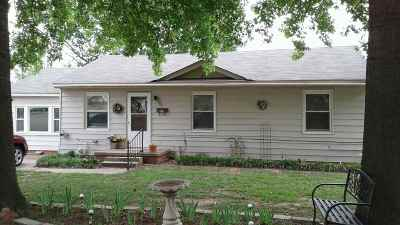 Cushing Single Family Home For Sale
