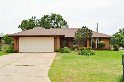 Stillwater Single Family Home For Sale: 1411 E Will Rogers Drive