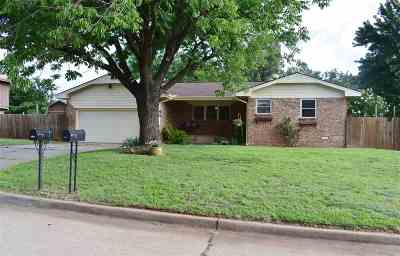 Stillwater Single Family Home For Sale: 802 W Hartwood Ave.