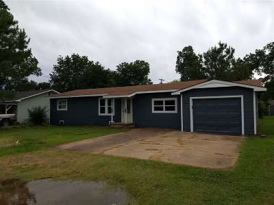 Perkins OK Single Family Home For Sale: $125,000