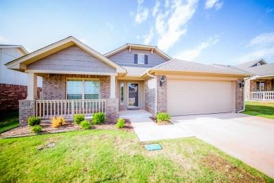 Stillwater Single Family Home For Sale: 310 Topaz Avenue