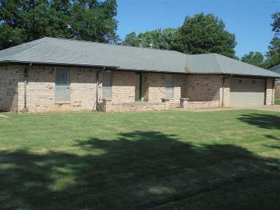 Perkins OK Single Family Home For Sale: $155,000