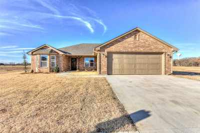 Perkins OK Single Family Home For Sale: $188,000