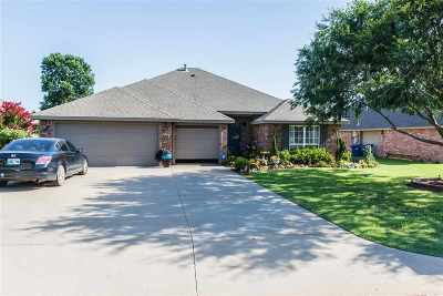 Perkins Single Family Home For Sale: 206 Fairway Drive