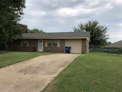 Perkins OK Single Family Home For Sale: $97,200