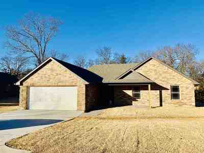 Single Family Home For Sale: 2406 Mady Circle