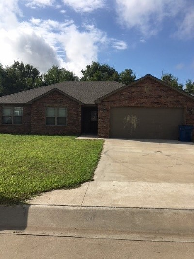 Perkins OK Single Family Home For Sale: $171,500