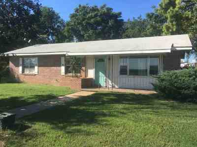 Perkins OK Single Family Home For Sale: $107,000
