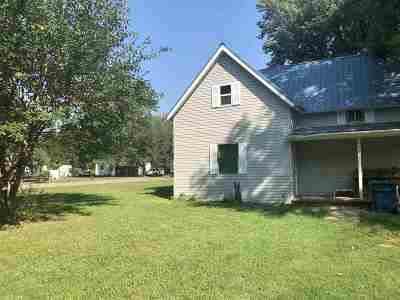 Perkins OK Single Family Home For Sale: $59,900
