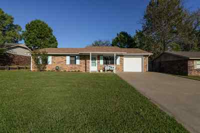 Perkins OK Single Family Home For Sale: $105,000