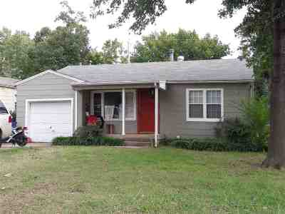 Stillwater Single Family Home For Sale: 105 S McFarland