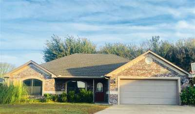 Perkins OK Single Family Home For Sale: $161,400
