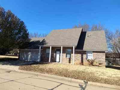 Stillwater Single Family Home For Sale: 2222 E Timbercrest