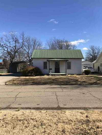 Cushing Single Family Home For Sale: 320 S Central Avenue