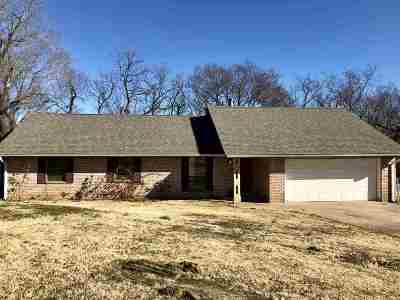 Cushing Single Family Home For Sale: 1410 Valley Creek Circle