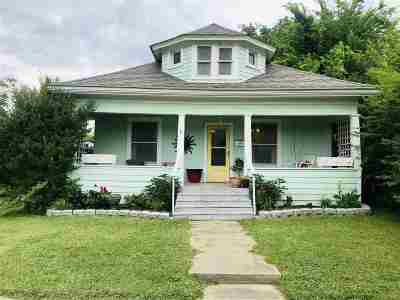 Cushing Single Family Home For Sale: 708 E Moses Street