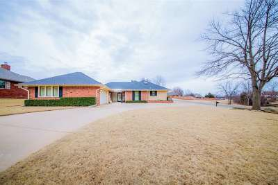 Stillwater Single Family Home For Sale: 4706 W Country Club Drive
