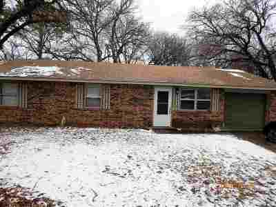 Perkins OK Single Family Home For Sale: $112,000