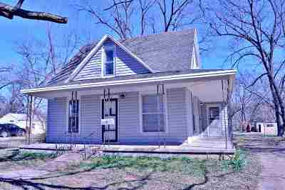 Stillwater Single Family Home For Sale: 109 S Lowry Street