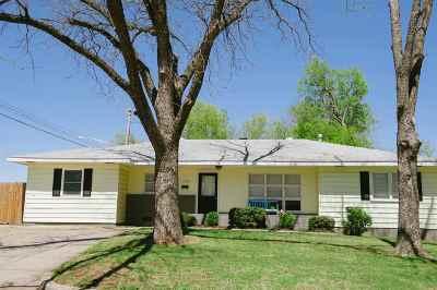 Stillwater Single Family Home For Sale: 2224 W Arrowhead Dr.