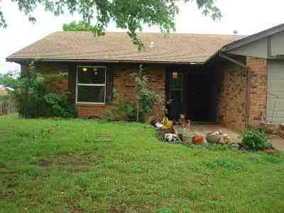 Stillwater Single Family Home For Sale: 1220 E Will Rogers