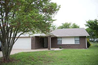 Stillwater Single Family Home For Sale: 914 W Chickasaw Lane
