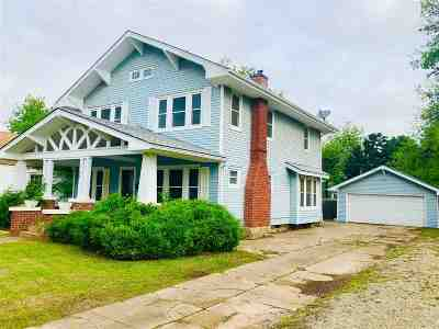 Cushing Single Family Home For Sale: 850 E Broadway Street