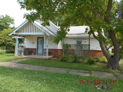 Cushing Single Family Home For Sale: 602 Maple Street