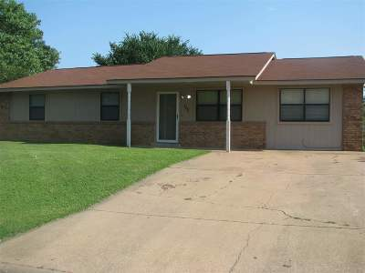 Perkins OK Single Family Home For Sale: $127,500