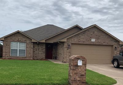 Perkins OK Single Family Home For Sale: $153,900