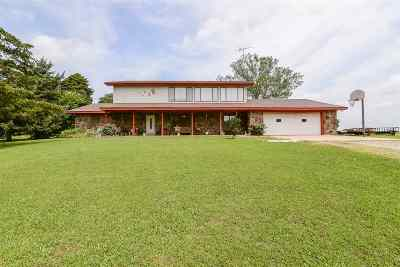 Cushing Single Family Home For Sale: 7102 W Combs Drive