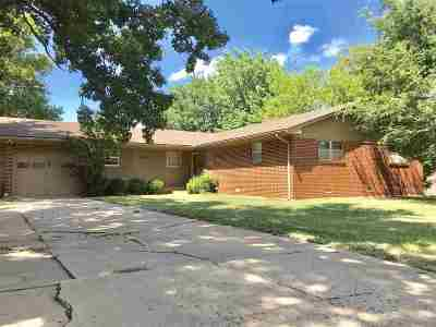 Stillwater Single Family Home For Sale: 924 W Will Rogers Drive