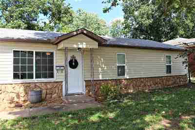 Stillwater Single Family Home For Sale: 1324 E 3rd Avenue