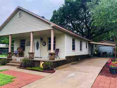Cushing Single Family Home For Sale: 325 S Cleveland Avenue