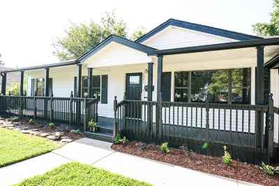 Cushing Single Family Home For Sale: 1041 E 4th Street
