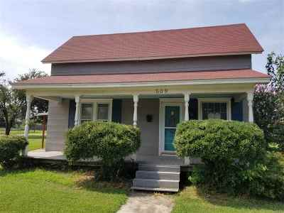Cushing Single Family Home For Sale: 509 S Cleveland Avenue