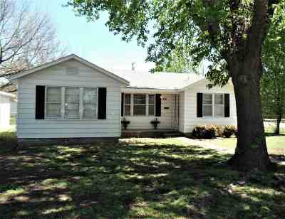 Single Family Home Pending W/Contingencies: 706 S 5th Street