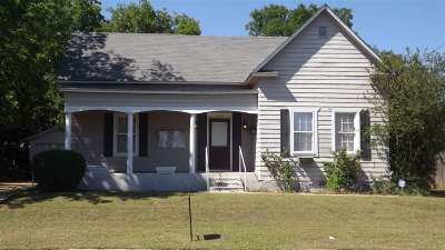 Ardmore Single Family Home For Sale: 207 SW 4th