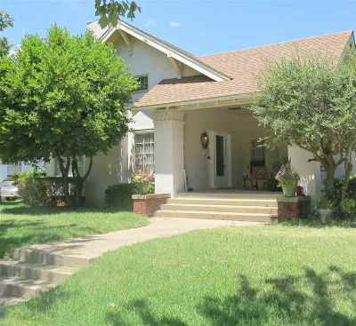 Single Family Home For Sale: 901 Stanley