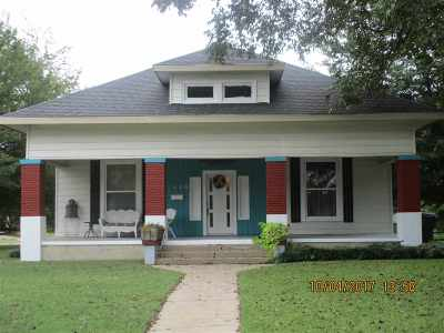 Single Family Home For Sale: 1120 NW C Street
