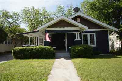 Single Family Home For Sale: 818 Bixby