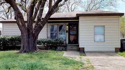 Single Family Home For Sale: 404 Ash