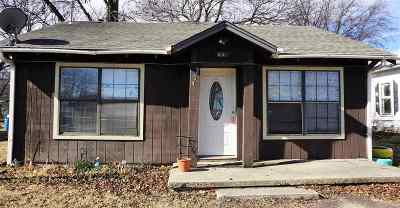 Single Family Home For Sale: 204 S 4th Avenue