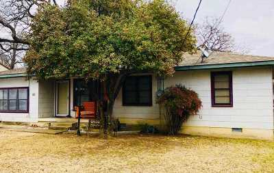 Ardmore, Lone Grove Single Family Home Contingent-Take Backups: 812 Carter
