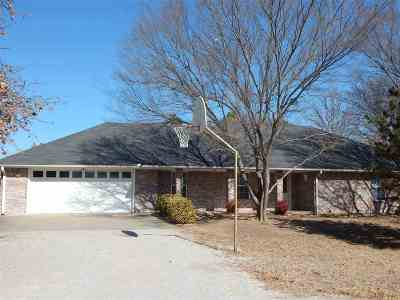 Lone Grove Single Family Home For Sale: 204 Kelly Lane