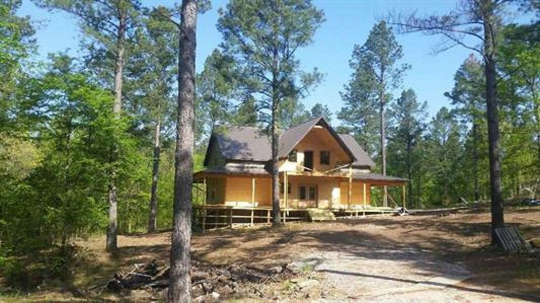 4 Bed 5 Baths Home In Broken Bow For 735 000
