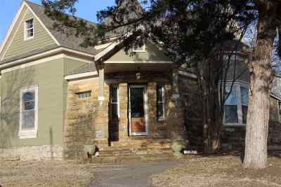 Single Family Home For Sale: 1301 E 1st